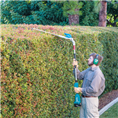 MAKITA EXTENDS CORDLESS OPE OFFERING WITH POLE HEDGE TRIMMERS
